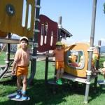 公園の遊具楽しいな。